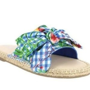 Mia sandals flats new in box size 8.5 blue plaid